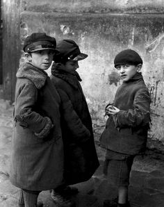 photos by Roman Vishniac