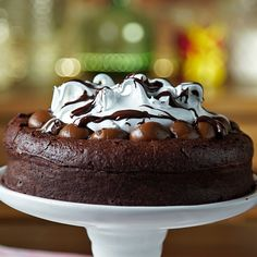 Ultimate Homemade Chocolate Cake is THE BEST RECIPE EVER! It is so moist and very easy to make. And it tastes just like the Chocolate Tower Cake from the Cheesecake Factory! Baking Recipes, Cookie Recipes, Dessert Recipes, Homemade Chocolate, Chocolate Desserts, Chocolate Cake, Chocolate Lovers, Chocolate Videos, Cupcake Cakes