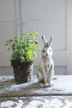 Ceramic Rabbit, Distressed Cream - Fox & Fig