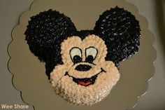 "Mickey Mouse ""Smash Cake"""