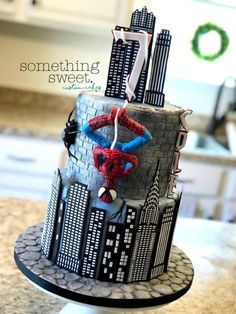 SpiderMan birthday Cake - Something Sweet Birthday party Spiderman Birthday Cake, Superhero Cake, Cake Birthday, Happy Birthday, Marvel Cake, Batman Cakes, Unique Cakes, Creative Cakes, Floral Baby Shower