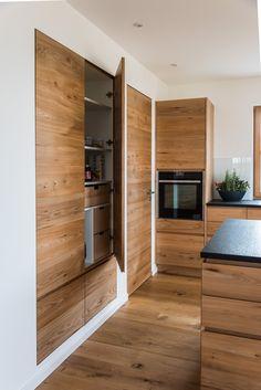 Modern Farmhouse Kitchens, Cool Kitchens, Apartment Kitchen, Kitchen Interior, Scandinavian Kitchen, Open Concept Kitchen, Dream House Exterior, Kitchen On A Budget, Minimalist Kitchen