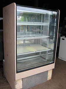 Refrigerated Cases / Coolers