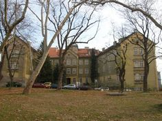 Ludovik Jelacic palace, Upper town. A gorgeous palace designed by Bartol Felbinger. #Croatia #Zagreb #architecture #Capital #building #design #artdeco #artnouveau #secession #baroque #neobaroque #old #buildings #mansions #vila #Europe #Mirogoj #arcades