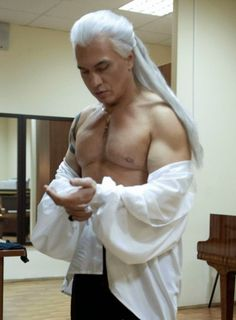 Dmitri Hvorostovsky, Russian operatic baritone Dimitri, Big Band Jazz, Classical Music, The Voice, Statue, Sexy, Singers, Heart, Singer