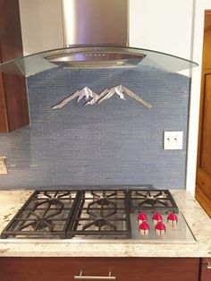 Hello, and thanks for your interest in my Colorado Mountain metal artwork. The dimensions for the listed item is 7 tall by 24 wide. This metal artwork is made by hand with aircraft aluminum that will not rust or tarnish over time. Looks great inside on walls and tile, or outside on the front of the house or fence.  Price 34.85  Bear Mountain Metal Art is based out of Fort Collins, Colorado and operated by artist Bobby Singleton. Artwork is made by drawing the design out on a sheet of…