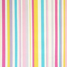 Este es el que quieroooo    Diseño con rayas en este papel pintado de la colección infantil Bimbaloo.