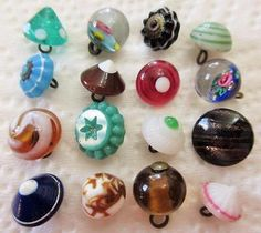 Wonderful-LOT-of-Antique-Vtg-GLASS-Charmstring-BUTTONS-Swirl-Back-Paperweight