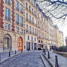 Place Dauphine, Paris 1er.