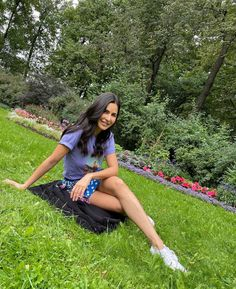 Stylish Girls Photos, Girl Photos, Katrina Kaif Photo, Ethnic Outfits, Indian Celebrities, Bollywood Stars, Red Carpet Looks, Every Girl, Bollywood Actress