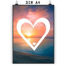 Poster DIN A4 Herz aus Papier 160 Gramm  weiß - Das Original von Mr. & Mrs. Panda.  Jedes wunderschöne Motiv auf unseren Postern aus dem Hause Mr. & Mrs. Panda wird mit viel Liebe von Mrs. Panda handgezeichnet und entworfen.  Unsere Poster werden mit sehr hochwertigen Tinten gedruckt und sind 40 Jahre UV-Lichtbeständig und auch für Kinderzimmer absolut unbedenklich. Dein Poster wird sicher verpackt per Post geliefert.    Über unser Motiv Herz  Wir haben etwas auf dem Herzen, können jemanden…
