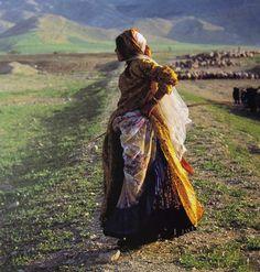 A Qashaqai women photographed by Nasrollah Kasraian
