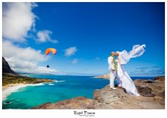 www.rightframe.net - Beautiful Destination Beach Wedding in Oahu. Makapu lookout, photography, photographer, weddings, photos, bride , groom, hawaiian, romantic, ideas, couple, bouquets, lei, blue, makapu'u, makapuu.