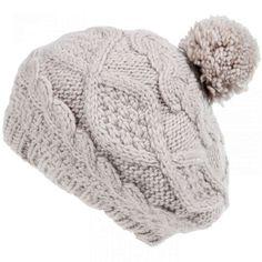 Come fare cappelli di lana - Pon pon e cappellini 3701c3d83d37