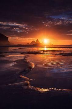 Sunset over the water. Amazing Sunsets, Amazing Nature, Sunset Photography, Landscape Photography, Beautiful World, Beautiful Places, Beautiful Sunrise, Landscape Photos, Nature Pictures