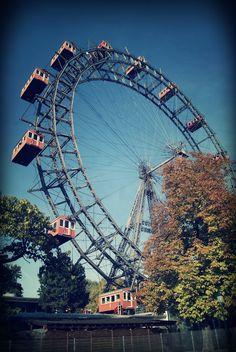 Parc du Prater, Vienne Monuments, Ferris Wheels, Best Travel Deals, Austria Travel, Tourist Information, Carousels, Carnivals, Vienna Austria, My Childhood Memories