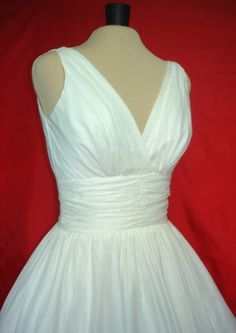 The perfect simple but elegant 50s style dress. by elegance50s