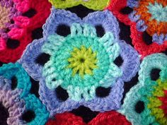 free crochet pattern for 6 petal flower from 20+ Best New Free Crochet Patterns and Crochet Tutorials ✿⊱╮Teresa Restegui http://www.pinterest.com/teretegui/✿⊱╮