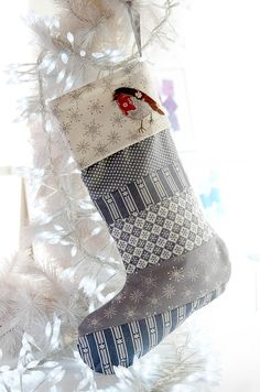 Patchwork stocking from Debbie Shore! Shop her inspirational range of DVD's now at C&C: http://www.createandcraft.tv/search/debbie%20shore?fh_location=//createandcraft/en_GB/$s=debbieu0020shore/brand_cc@gt;{debbie20shore} #sewing