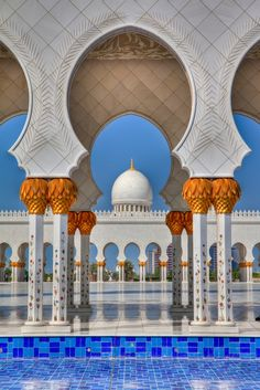 Sheikh Zayed Mosque - Explore the World with Travel Nerd Nici, one Country at a Time. http://TravelNerdNici.com