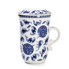 Chinese Blue And White Porcelain Bat Tea Cup Blue And White China, Blue China, Tea Cup With Lid, Chinese Tea Cups, Dragon Tea, Chinese Dragon, My Tea, White Porcelain, Tea Pots