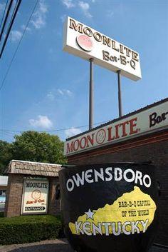 Moonlite Bar-B-Q Capital of the World, Owensboro, Kentucky
