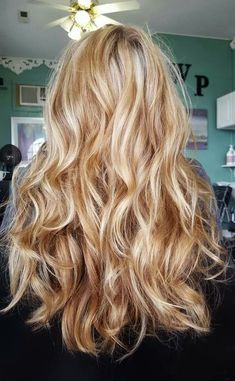 99 Excellent Blonde Hair Color Ideas You Have To Try - Warm blonde hair - Blonde Hair Shades, Golden Blonde Hair, Blonde Hair Looks, Blonde Hair With Highlights, Chunky Highlights, Color Highlights, Reddish Blonde Hair, Brown Hair, Going Blonde