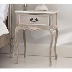 Cabinet D'Amour Bedside Table