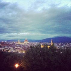 L'alba a piazzale Michelangelo è una cosa mozzafiato