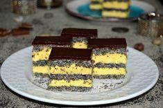 Prajitura cu foi de mac, vanilie si ciocolata | MiremircMiremirc Romanian Food, Cheesecake, Food And Drink, Favorite Recipes, Sweets, Cookies, Desserts, Poppy, Creativity