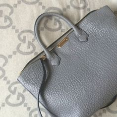 NWOT*Nordstrom Exclusive Medium Burberry Dewsbury Authentic. Never used. Pebbled leather. Dust bag included. Detachable long strap. Center zippered compartment with a magnet front slot. Sold out company wide. Burberry Bags