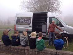 @ODAschool   Groep 3-4 leren van alles over de fiets dankzij @NB S.O.S. Repair & More uit #st-oedenrode   Kinderen enthousiast