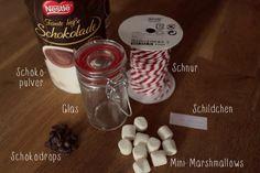 Was könnte es Schöneres geben als sich bei der Kälte draußen zuhause mit einer Tasse heißer Schokolade aufzuwärmen? Am besten noch mit eine...