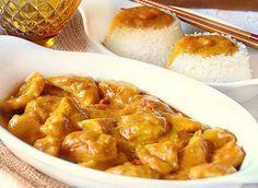 Émincé de poulet au lait de coco léger, recette d'un délicieux plat parfumé au curry et lait de coco facile et simple à faire pour un repas léger.