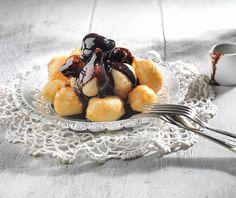 Λουκουμάδες γιαουρτιού Food Categories, Breakfast Time, Greek Recipes, Sweet Bread, Fun Desserts, Waffles, Pancakes, Cupcake Cakes, Brunch