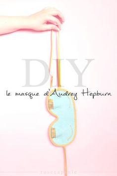DIY // Avis aux fans de vintage ! Pour le premier DIY du blog, découvrez comment fabriquer le masque de sommeil d'Audrey Hepburn dans Breakfast at Tiffany's ! - www.rosecapsule.com