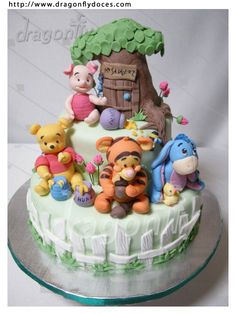 Baby pooh bear cake