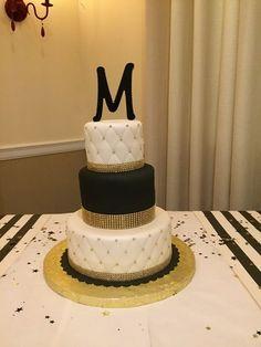 Black And Gold Birthday Cake, 26 Birthday Cake, Black And Gold Cake, White And Gold Wedding Cake, Birthday Cakes For Women, Birthday Ideas, Cake Wedding, Wedding Desserts, Cakes For Teenagers
