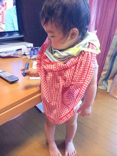 """""""wear clothes""""  14.Jun.2014  『初めて〜自分で着れました!』と、ママより。凄〜いHIMARI♪  …着れてないけど…ぷぷぷ"""
