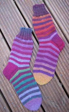 Hand made by Aino P. Knitting Projects, Socks, Handmade, Fashion, Moda, Hand Made, Fashion Styles, Sock, Stockings