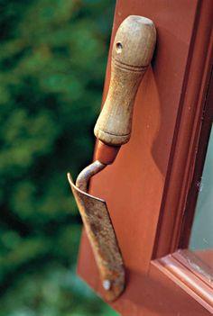 Way cool potting shed door handle!