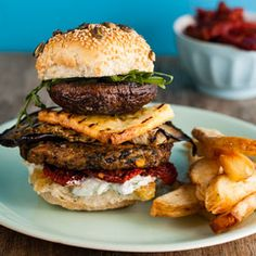Vegetarian burgers with grilled brinjals, garlic mushrooms and parmesan Yummy Recipes, Great Recipes, Cooking Recipes, Favorite Recipes, Vegetarian Burgers, Vegetarian Food, Love Eat, I Love Food, Woolworths Food