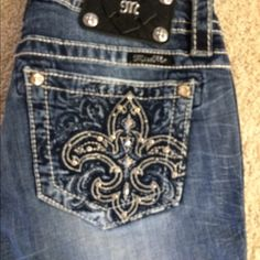 New Miss Me jeans! Just in 2/5 - new Miss Me jeans. Mid-rise skinny. 31 inch inseam. Next day shipping - I ship 6 days a week. Smoke free home. No trades or holds. Price is firm. Miss Me Jeans Skinny