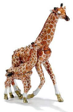 Giraffe & Baby - Kubla Crafts Trinket Box ( 2 pieces) MIB - BEAUTIFUL! #3793    Can be found at www.pacifictraders.biz