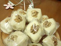 Καριόκες με επικάλυψη λευκής σοκολάτας! Yams, Rolls, Food And Drink, Pudding, Ice Cream, Sweets, Cookies, Chocolate, Vegetables