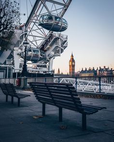 Winter mornings. London Eye and Westminster. Photo credit : Alanisko, Instagram.