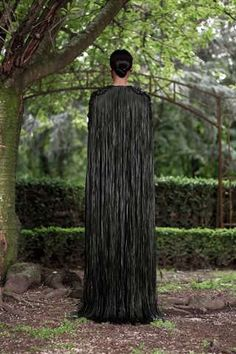 Givenchy couture under Riccardo Tisci is never less than impressive. In seasons past it's been all about the lacework, but for Haute Couture autumn 2012 he World Of Fashion, Fashion Show, Woman Fashion, Givenchy, Dress Up Boxes, Fringe Fashion, Leather Fringe, Leather Weaving, Russian Fashion