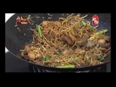 (14) Mee Goreng Mamak - YouTube Mee Goreng Mamak, Malaysian Food, Pasta Noodles, Japchae, Asian, Dishes, Eat, Ethnic Recipes, Brownies