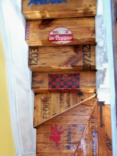 Southern Living On a Dime: VINTAGE CRATE STAIRS - Part 4