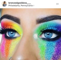 Don't worry about her, she's just crying tears of joy and love. 11 Pride Makeup Looks That Are Making Rainbows Everywhere Jealous aufbewahrung augen blaue augen eyes für jugendliche hochzeit ıdeen retention tipps eyes wedding make-up 2019 Fresh Wedding Makeup, Wedding Hair And Makeup, Bridal Makeup, Make Carnaval, Make Up Designs, Rave Makeup, Rainbow Makeup, Beauty Make-up, Natural Beauty